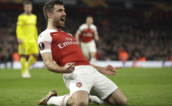 """Ngược dòng ấn tượng, Arsenal nuôi giấc mơ tại giải đấu """"hạng hai"""""""