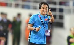"""Phỏng vấn trợ lý Lee Young-jin trên báo Hàn Quốc: """"Tuyển Việt Nam còn thiếu sức mạnh, yếu tranh chấp, cần tăng thêm mỗi người vài cân"""""""