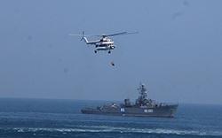 Hải quân Việt Nam bất ngờ công khai khí tài siêu hiện đại