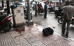 Người đàn ông bị chém gần đứt lìa tay trên đường phố Sài Gòn