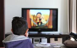 Khiến trẻ dừng xem tivi, chơi iPad chỉ bằng 1 câu nói