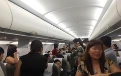 Nhân viên hàng không bị túm vai, xé áo, tát mạnh, đạp vào đùi...