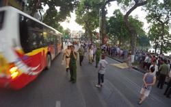 Hà Nội: Xe buýt tông bẹp xe ô tô Mazda, cán cô gái trẻ tử vong ở gần Hồ Gươm