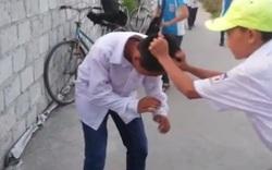 Nam sinh bị đánh hội đồng, tiểu tiện vào đầu, bắt quỳ xin lỗi: Xuất hiện kẻ xúi giục!