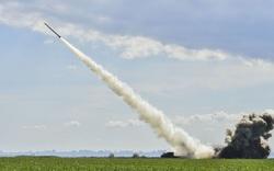"""Ukraine chế tạo tên lửa """"vượt mặt"""" Nga: Tin được không?"""
