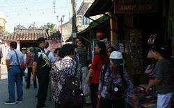"""Sở Du lịch Đà Nẵng lên tiếng trước tố cáo """"thờ ơ"""" để HDV người Trung Quốc hoạt động"""