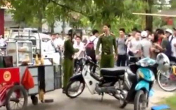 Hà Nội: Dọn dẹp vỉa hè, cán bộ phường bị người dân lăng mạ, đâm chảy máu môi