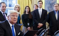 """Người hiếm hoi dám ngắt lời ông Trump và chuyện """"nịnh"""" sếp ở Nhà Trắng"""