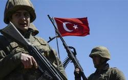 NÓNG: QĐ Thổ Nhĩ Kỳ tấn công lực lượng người Kurd ở Aleppo ngay trên lãnh thổ Syria