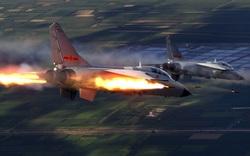"""Trung Quốc tung vũ khí bí mật, chiến đấu cơ Mỹ chưa kịp bắn trả đã """"tan xác"""""""