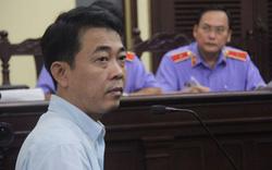 Bất ngờ bị bắt tạm giam, cựu Chủ tịch VN Pharma choáng váng, ngất xỉu tại tòa