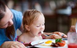 Một ngày cho trẻ ăn bao nhiêu trứng là đủ