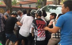 """Hà Nội: Xe bán tải """"điên"""" đâm hàng loạt phương tiện"""