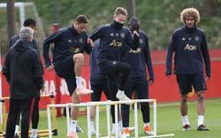 """Mourinho lên kế hoạch đẩy """"vũ khí dọa Pogba"""" khỏi Old Trafford"""