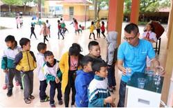Asanzo trao tặng hơn 30 máy lọc nước trị giá hơn 200 triệu đồng cho quê nhà cầu thủ Quang Hải