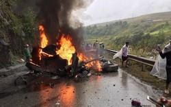 Đầu xe container bốc cháy dữ dội sau khi đâm vào taluy, Quốc lộ 4D tê liệt
