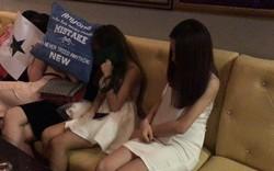 Nhiều nữ tiếp viên ăn mặc thiếu vải  phục vụ khách ngoại quốc ở Sài Gòn