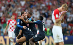 """Chùm ảnh: Sao Croatia thẫn thờ, Pháp """"nổ tung"""" cùng chức vô địch World Cup thứ 2"""
