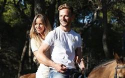 Sao tuyển Croatia cưỡi ngựa thư giãn bên vợ, tận hưởng kỳ nghỉ sau hành trình kỳ diệu ở World Cup 2018