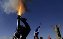 24h qua ảnh: Người biểu tình nã đạn cối tự chế giữa cuộc tuần hành tại Nicaragua