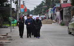 Khăn trắng phủ kín thôn Lương Xá Nam sau vụ tai nạn giao thông làm 8 cán bộ tử vong