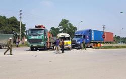 Tai nạn liên hoàn làm 2 người chết, 5 người bị thương: Xe tải cẩu quay đầu ở điểm không được phép