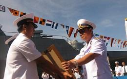 Tư lệnh Hải quân Việt Nam thăm chiến hạm SIGMA Indonesia