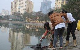 Thả cá tiễn ông Táo, không vứt rác, người dân được… tiền