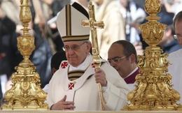 Giải mã các biểu tượng quyền lực của Giáo hoàng