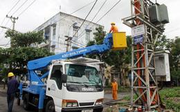 Đà Nẵng: Nổ trạm biến áp, cả khu phố trắng đêm