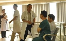 Bất ngờ kiểm tra phòng khám Trung Quốc trái phép