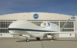 Cận cảnh 'thợ săn bão' không người lái của NASA