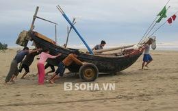 Thanh Hóa: Siêu bão Hải Yến vừa qua, dân lao ra biển đánh bắt