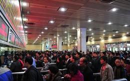 Hơn 250 triệu dân Trung Quốc tranh nhau mua vé tàu Tết