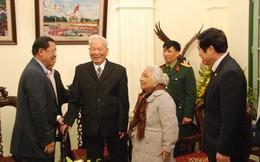 Thủ tướng Hun Sen thăm 'thủ trưởng' cũ Lê Khả Phiêu và Lê Đức Anh