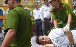 Giám đốc thuê giang hồ giết cấp dưới hầu tòa trên cáng