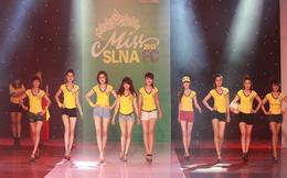 """Miss SLNA """"cực nóng"""" trong đêm chung kết"""