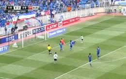 Video: Khung gỗ còn hay hơn cả thủ môn