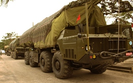 Vùng 3 Hải quân Việt Nam đưa tên lửa vào bệ phóng