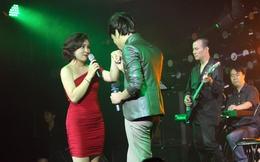 Lê Việt Anh hôn tay Bảo Trâm Idol