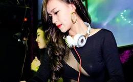 DJ Tít mặc áo hở táo bạo
