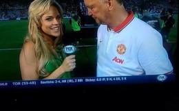 Van Gaal bị tố ngắm vòng một phóng viên đến… quên Man United