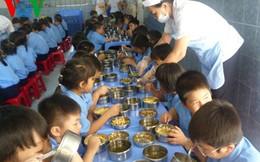 Hàng trăm học sinh bị nghi nhiễm vi khuẩn salmonella gây tiêu chảy