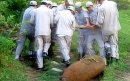 """Quảng Trị: Rà phế liệu, phát hiện quả bom lùi """"khủng"""""""