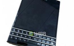 BlackBerry Q30: Điện thoại 'siêu dị'  lộ ảnh nóng