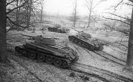 """Xe tăng T-34 - 80 tuổi vẫn """"lợi hại"""""""