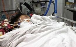 Bé trai bị bố dùng điếu cày đánh chấn thương sọ não đã tử vong