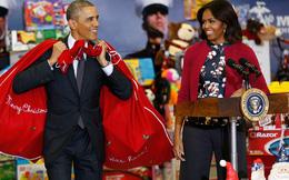 """Obama """"hóa thân"""" thành ông già Noel giữa bê bối tra tấn của CIA"""