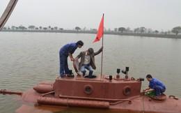 Hồ quá nông, tàu ngầm Trường Sa chỉ bơi, không lặn