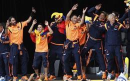 """James Rodriguez cùng đồng đội nhảy """"vũ điệu lạ"""" ngày trở về"""